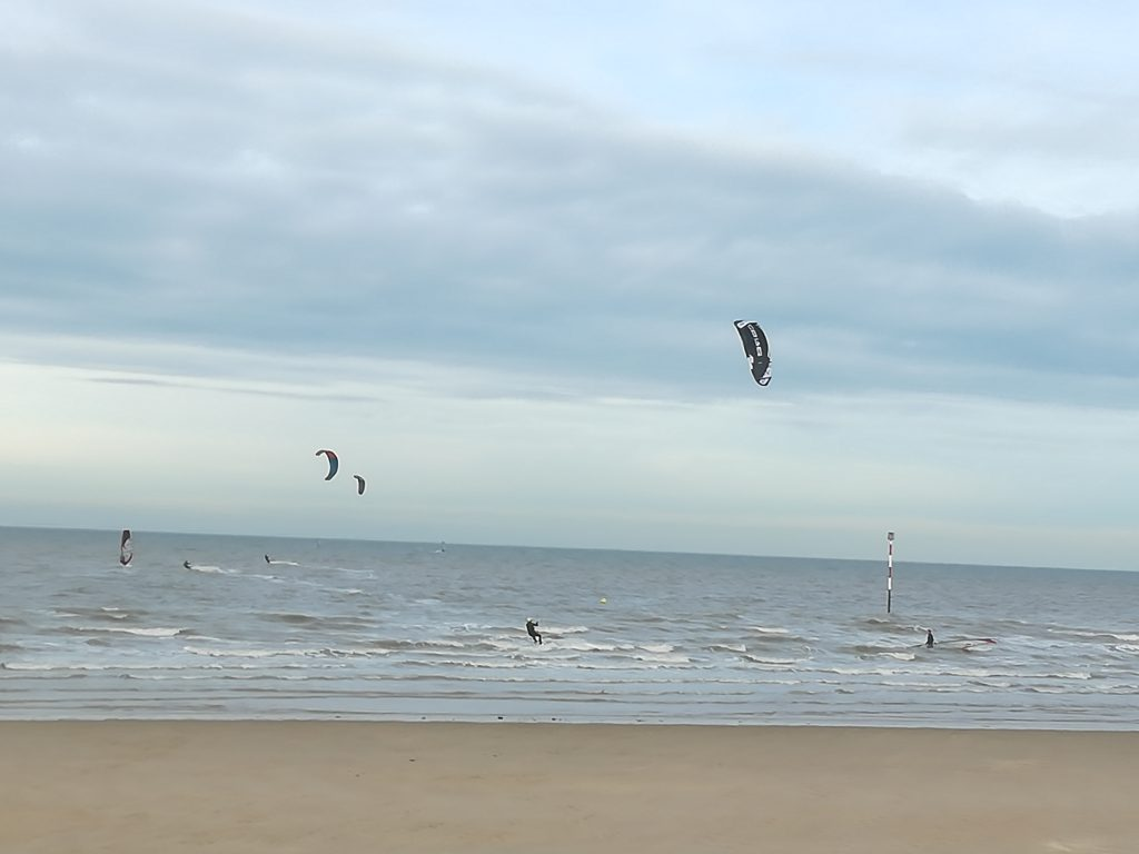 kite surfers at minnis bay